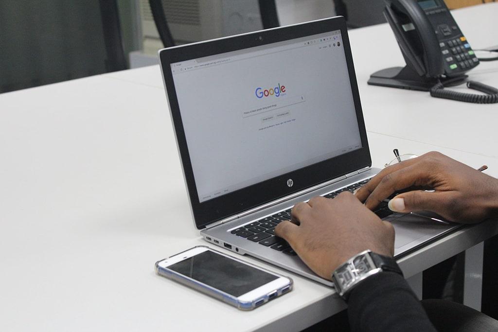 Transcrever áudio e texto no Google